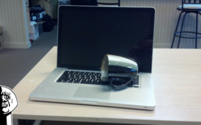 Sửa Macbook bị vào nước, dính nước
