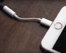 Sửa lỗi iPhone 7/7 Plus không nhận sạc, USB