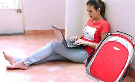 10-thoi-quen-xau-khi-dung-laptop-ban-can-loai-bo-02